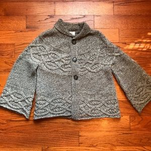 Sweaters - Super cute bell sleeve 7/8 length sweater!